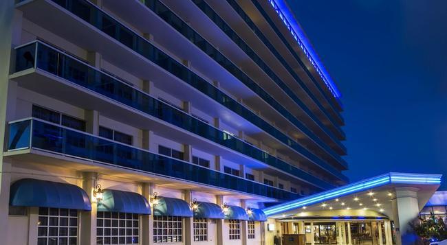 Ocean Sky Hotel and Resort - フォート・ローダーデール - 建物