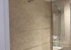 ホテル マルビ - バルセロナ - 浴室