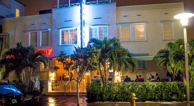 ベッド アンド ドリンクス - マイアミ・ビーチ - 建物