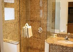 St. Moritz Lodge & Condominiums - アスペン - 浴室
