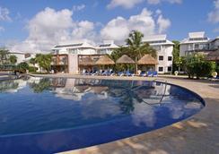 Sandos Caracol Eco Experience Resort - プラヤ・デル・カルメン - プール