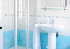 B&B Trieste Plus - トリエステ - 浴室