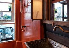Loy La Long Hotel - バンコク - 浴室