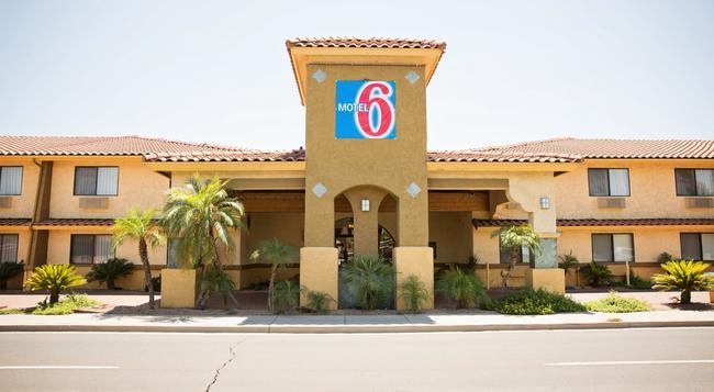 Motel 6 Phoenix - Scottsdale West, AZ - フェニックス - 建物