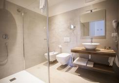 Villa Italia - アルコ - 浴室