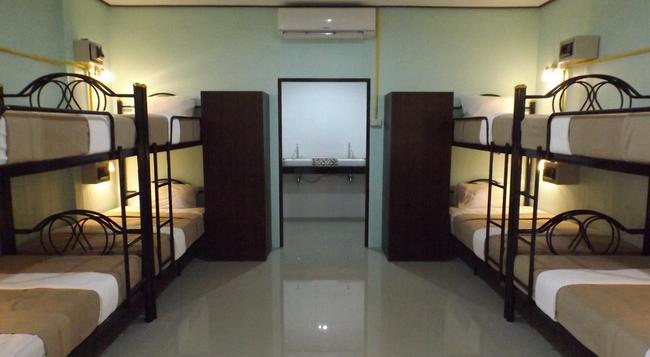 Lanta Long Beach Hostel - ランタ島 - 寝室