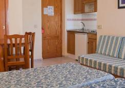 ホテル アパルタメントス ルクス マール - イビサ - 寝室