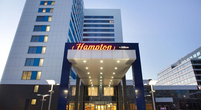 ハンプトン バイ ヒルトン モスクワ ストロジーノ - モスクワ - 建物