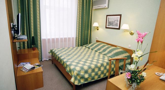 Equator Hotel - サマーラ - 寝室