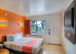 モーテル 6 サンタ バーバラ ビーチ - サンタ・バーバラ - 寝室