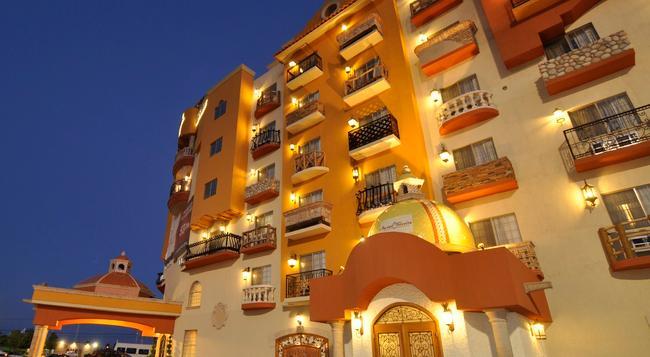 Hotel Maria Bonita Consulado Americano - Ciudad Juarez - 建物