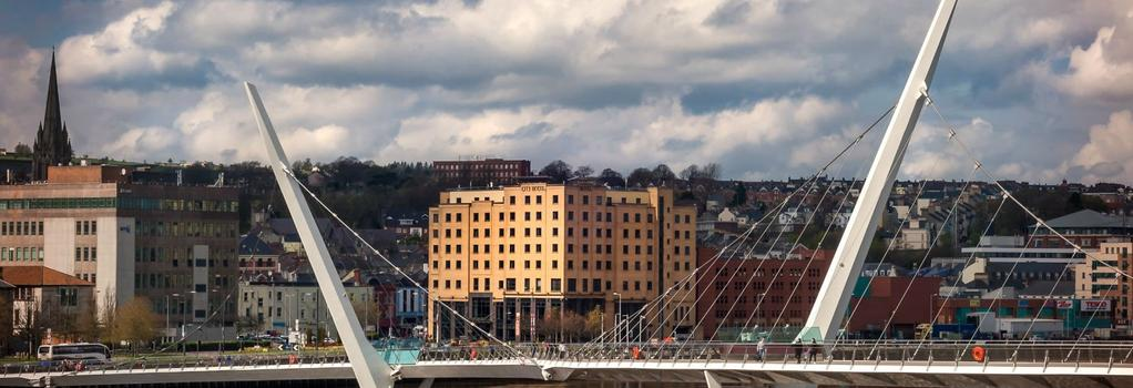 City Hotel Derry - ロンドンデリー - 建物