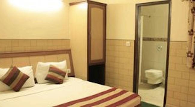 Hotel S.P.B 87 - ニューデリー - 寝室