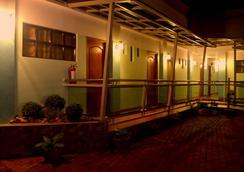 ジュリエッタズ ペンション ハウス - Puerto Princesa - 屋外の景色