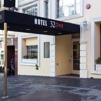 ホテル 32ワン Hotel Entrance