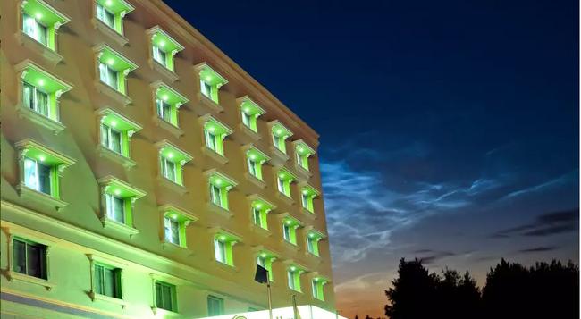 Sandhya Hotel - ハイデラバード - 建物