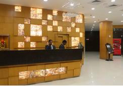 Sandhya Hotel - ハイデラバード - フロントデスク