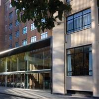 エイペックス シティ オブ ロンドン ホテル Hotel Front