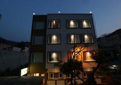 グリーン ビュー バイ ワン ホテルズ - Rishikesh - 屋外の景色