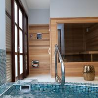 Floris Suite Hotel - Spa & Beach Club - Adults Only Indoor Spa Tub
