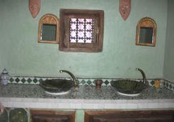 Dar Alaafia - ワルザザート - 浴室