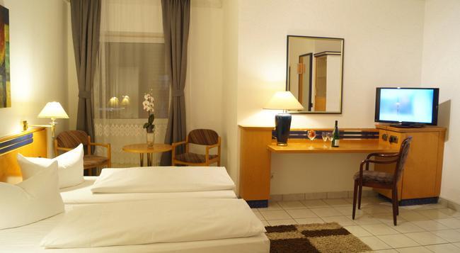 ホテル ラルシュテッター ホフ - ハンブルク - 寝室