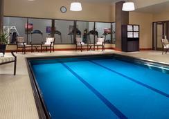 Omni Severin Hotel - インディアナポリス - プール