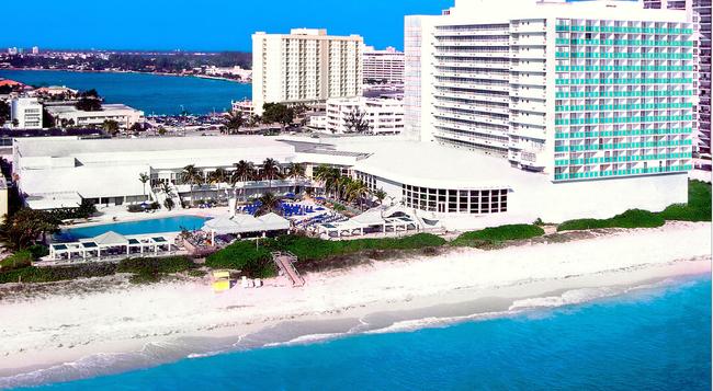 ドービル ビーチ リゾート - マイアミ・ビーチ - 建物