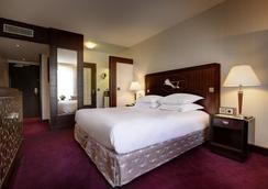 ヒルトン アルク ドゥ トリオンフ パリ ホテル - パリ - 寝室