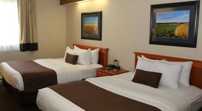Northern Plains Inn - マイノット - 寝室
