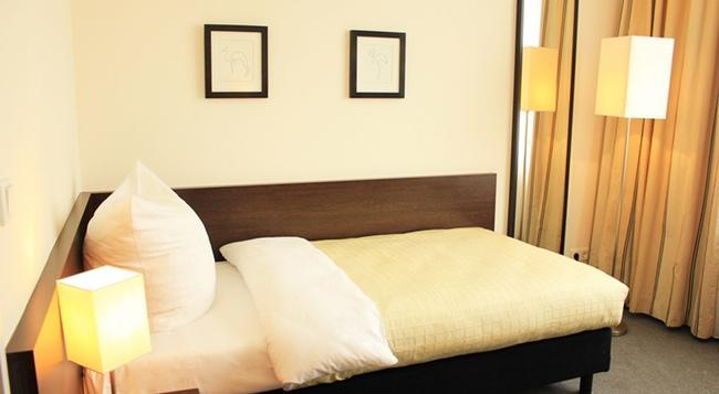 ホテル リュツォ - ベルリン - 寝室
