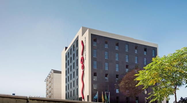Moov Hotel Porto Norte - ポルト - 建物