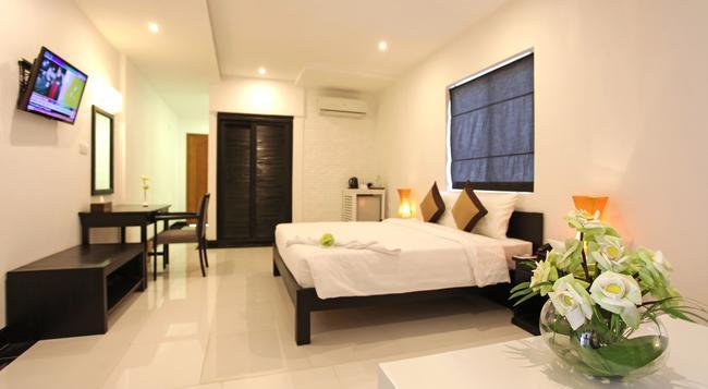 La Residence Blanc D'Angkor - シェムリアップ - 寝室