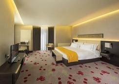 Berd's Design Hotel - キシニョフ - 寝室