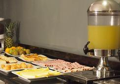 Tempo Rent Apart Hotel - サンティアゴ - レストラン