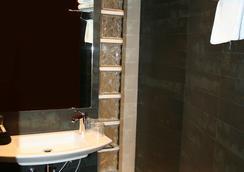ホテル ガルビ ミレニ - バルセロナ - 浴室