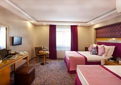 カールトン ホテル - イスタンブール - 寝室