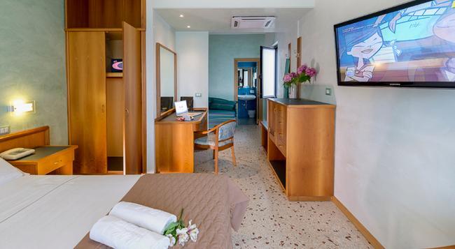 ホテル マヤ - ペスカーラ - 寝室