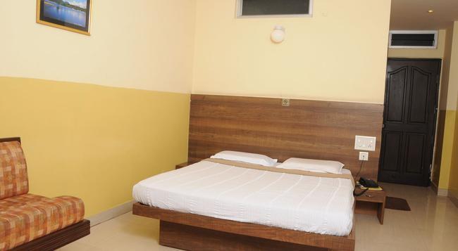 Suvarna Residency - Mysore - 寝室