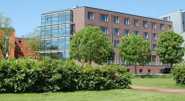 ユーゲンデルベルグ ハンブルク ホルナー レンバーン - ハンブルク - 建物