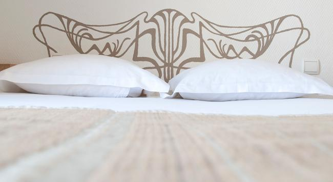 ホテル コルナー モンパルナス - パリ - 寝室