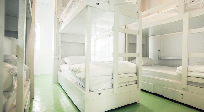 ベスト ステイ ホステル - プーケットタウン - 寝室