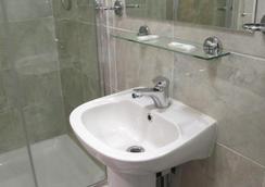 ボストン マナー ホテル - ロンドン - 浴室