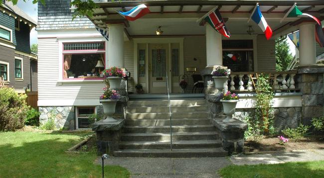 Windsor Guest House - バンクーバー - 建物