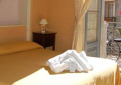 サン デメトリオ - カターニア - 寝室
