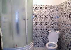 Astana Apple Hostel - アスタナ - 浴室
