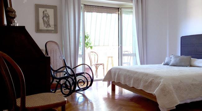フェリーチェ B & B モンテヴェルデ ヴェッキオ - ローマ - 寝室