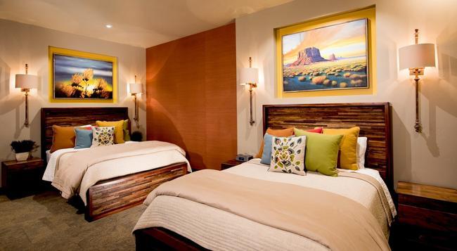 Desert Rose Inn & Cabins - Bluff - 寝室