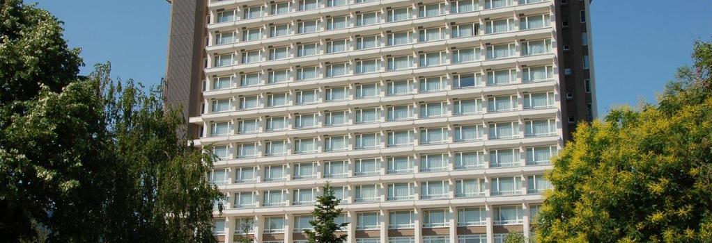 ラマダ パルク ホテル - ブカレスト - 建物