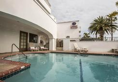 Comfort Suites San Clemente Beach - San Clemente - プール